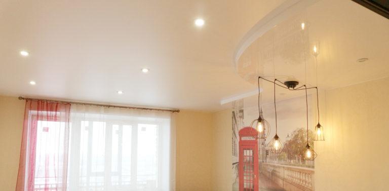79 Двухуровневый белый сатиновый/глянцевый потолок в детскую