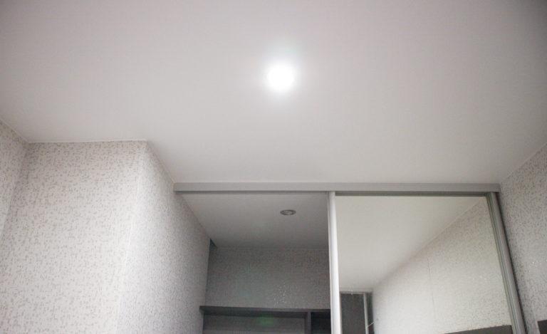 78 Белый матовый потолок в коридор