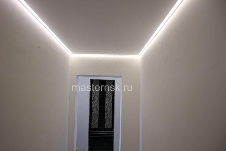 259 Матовый белый натяжной потолок с контурной подсветкой в коридор Новосибирск