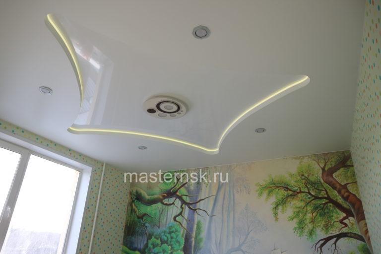 267 Матовый и глянцевый белый двухуровневый натяжной потолок в детскую с подсветкой