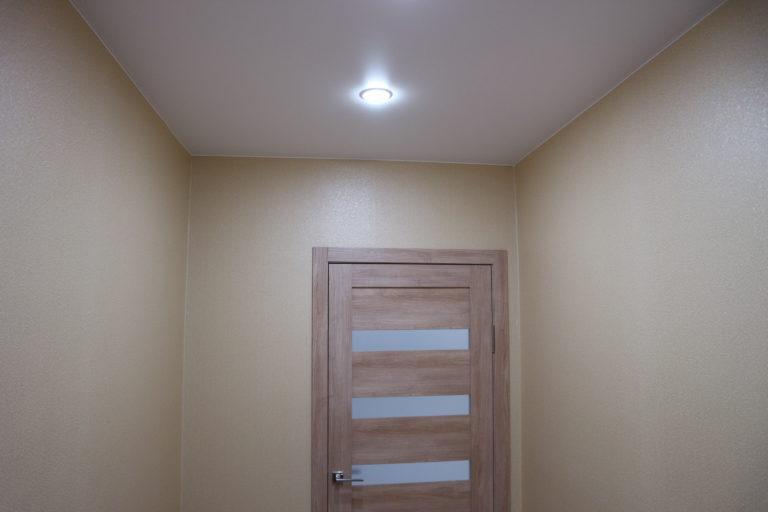 № 101 Матовый белый потолок в коридор