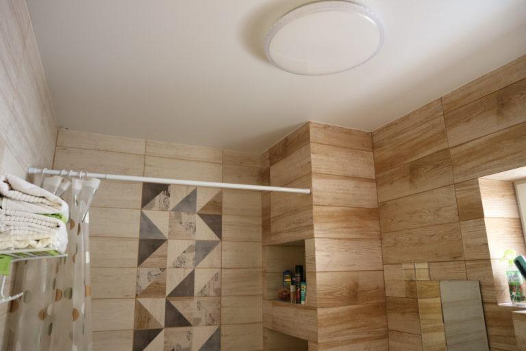 № 102 Матовый белый потолок в ванную
