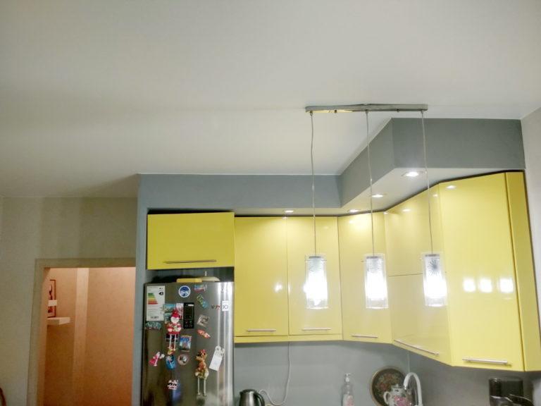 112 Матовый белый потолок на кухню