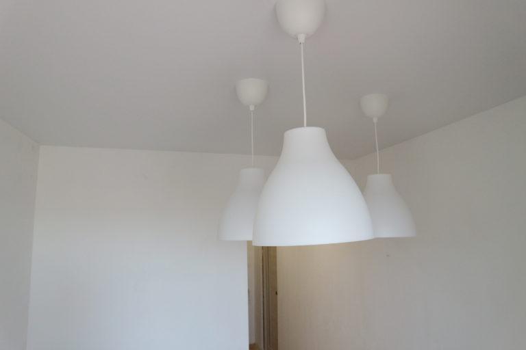 113 Матовый белый потолок на кухню