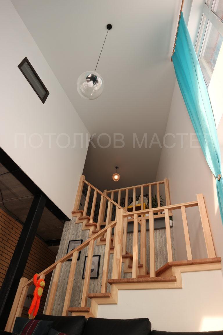 120 Белый матовый натяжной потолок в коридор