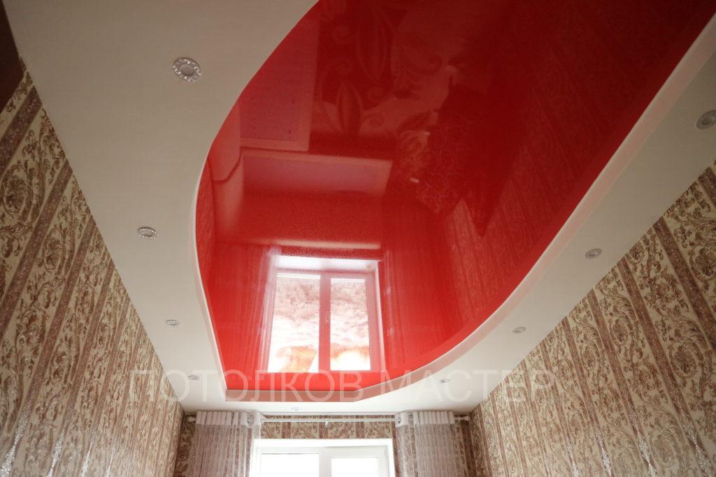 Глянцевый красный натяжной потолок в комнату