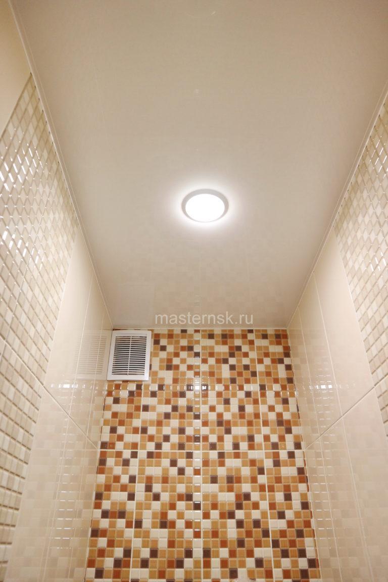 168 Глянцевый белый натяжной потолок в туалет Новосибирск