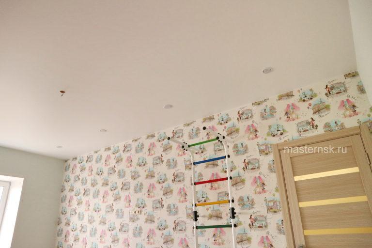 166 Сатиновый натяжной белый потолок в детскую