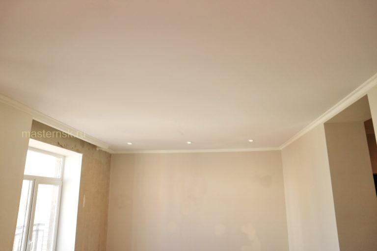 161 Матовый натяжной белый потолок в зал Новосибирск