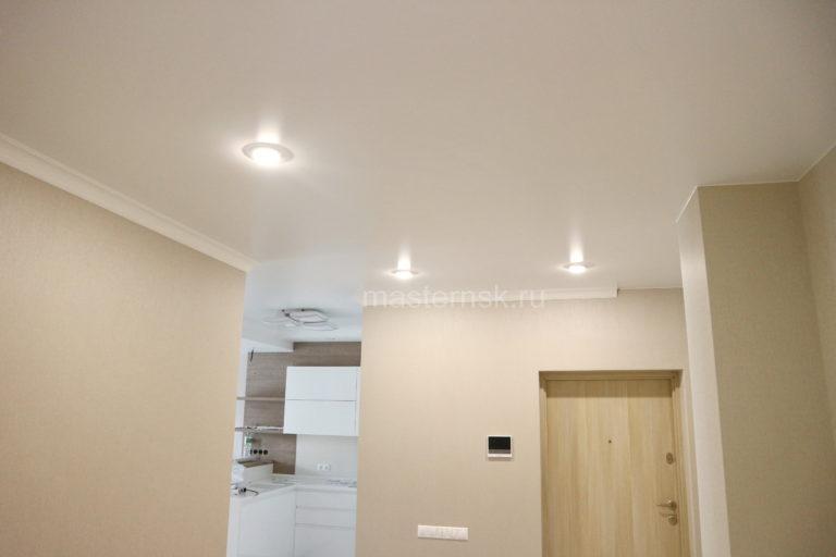 151 Матовый натяжной белый потолок в коридор