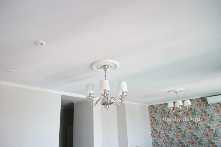 140 Тканевый натяжной белый потолок в зал