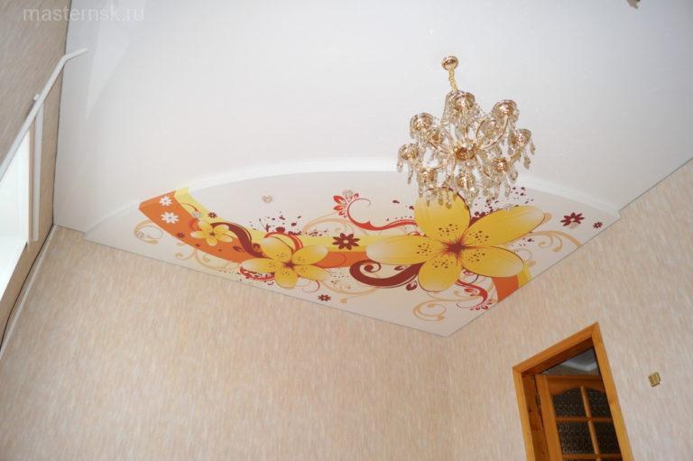 Натяжной потолок с фотопечатью в комнату