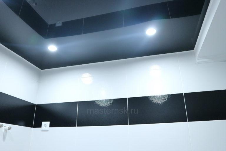 210 Глянцевый цветной черный натяжной потолок в туалет Новосибирск