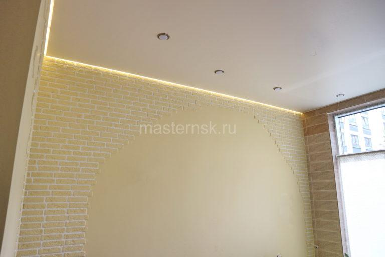 248 Парящий сатиновый белый натяжной потолок в гостиную Новосибирск