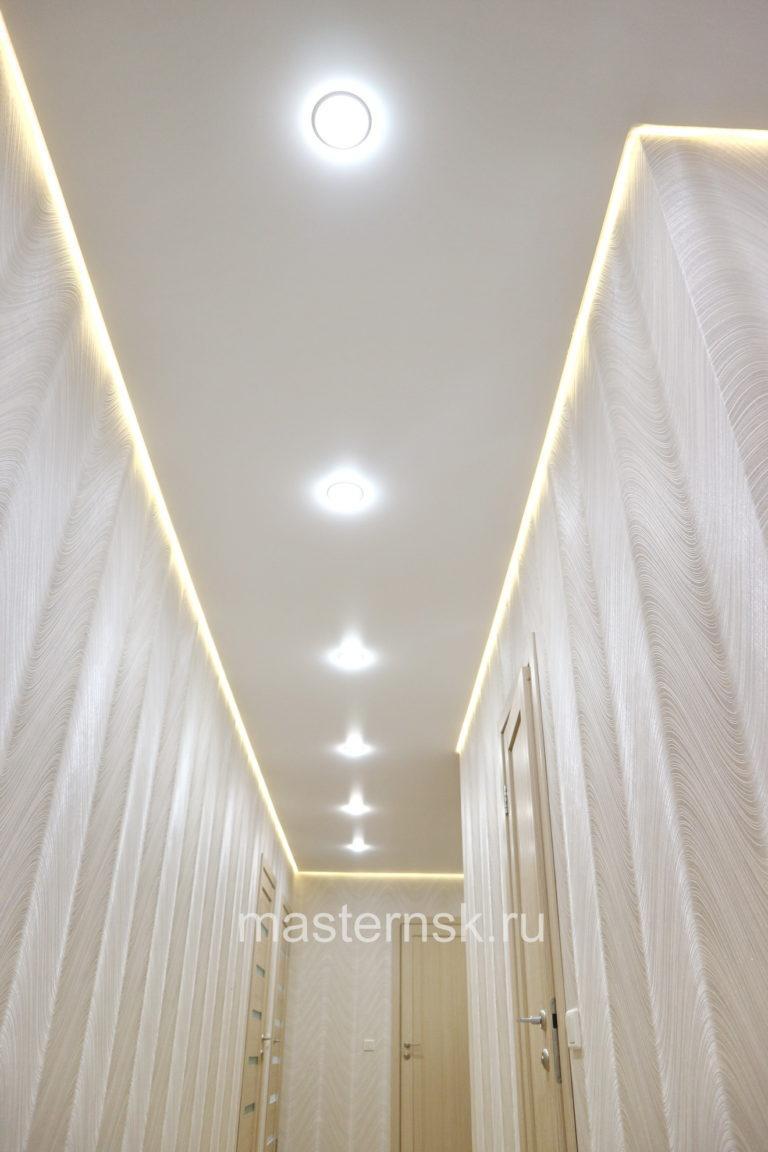 253 Парящий матовый белый натяжной потолок в коридор Новосибирск