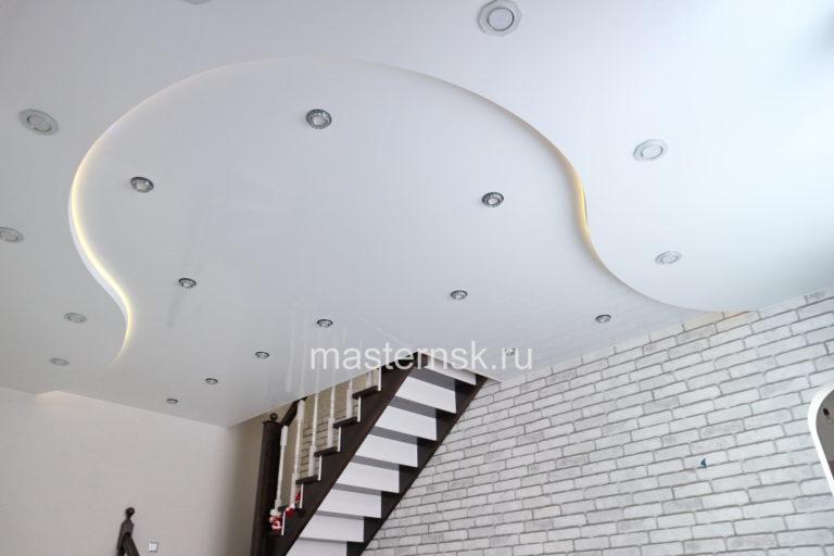 275 Матовый белый натяжной потолок с подсветкой в зал Новосибирск
