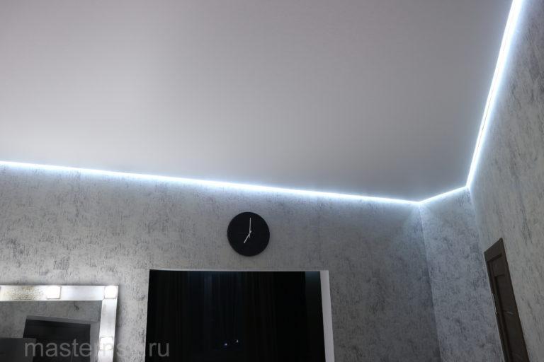 277 Матовый белый парящий натяжной потолок в коридор Новосибирск