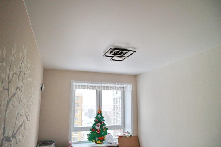 284 Матовый белый натяжной потолок в спальню (комнату) Новосибирск