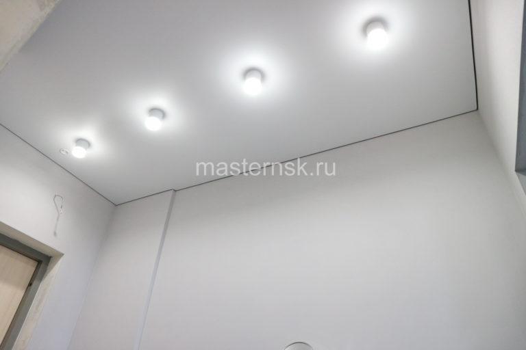292 Матовый белый бесщелевой натяжной потолок в коридор Новосибирск