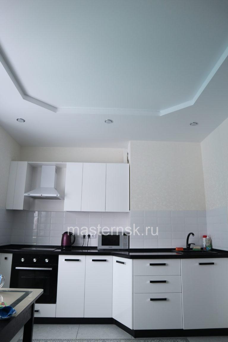 295 Матовый двухуровневый белый натяжной потолок в кухню Новосибирск